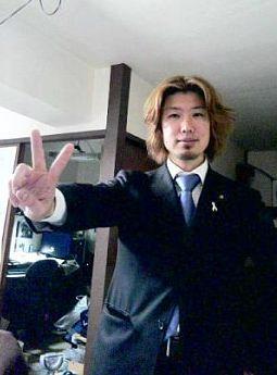 浅野史郎のラッキーカラーはブルー