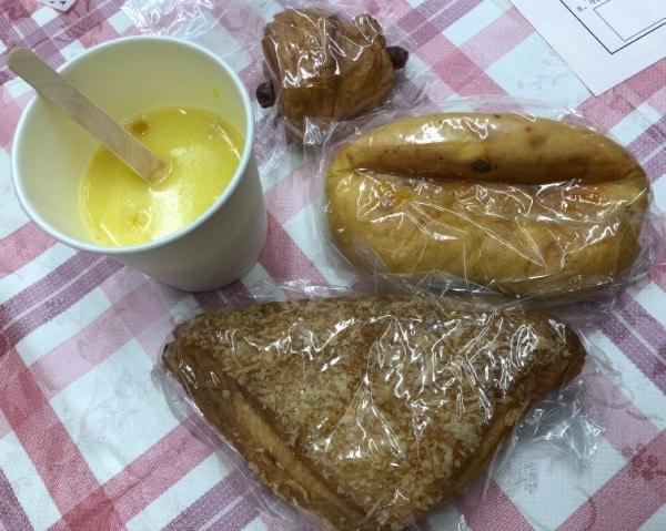 お昼ごはんにお手製のパンをいただきました